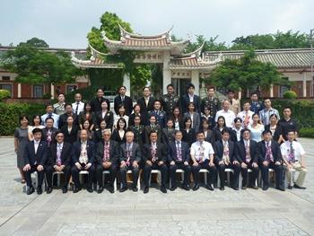 ท่านชิวจิ้น อธิการบดี มหาวิทยาลัยหัวเฉียว เมืองเซียะเหมิน มณฑลฮกเกี้ยน สาธารณรัฐประชาชนจีน และ คณะผู้บริหารสมาคมวัฒนธรรมและเศรษฐกิจไทย-จีน