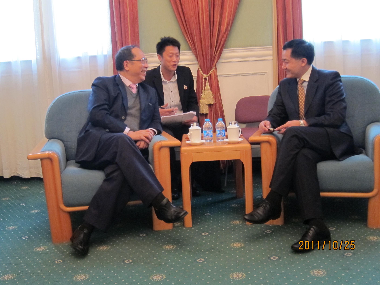 นายไพศาล พืชมงคล เลขาธิการสมาคมฯ  เยี่ยมคารวะและแลกเปลี่ยนความคิดเห็นกับท่าน Ji Ping